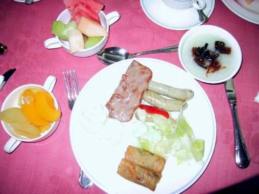 2日目 バイキング形式の朝食