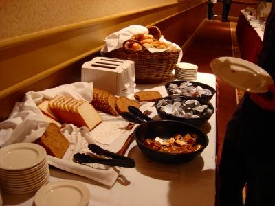 2日目 コンチネンタルスタイルの朝食~ホテル出発~ヨセミテ国立公園へ