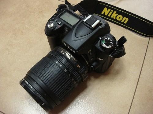 Nikon D90 18-105mm レンズキット買いました。