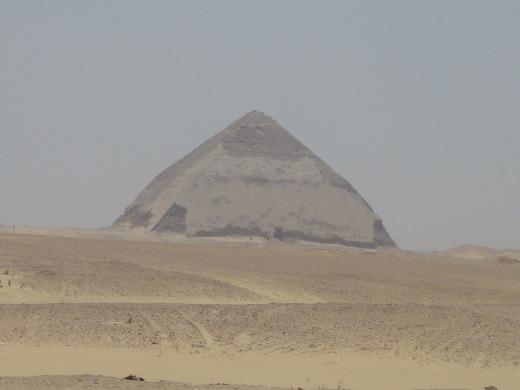 6日目 屈折ピラミッドと赤のピラミッドへ