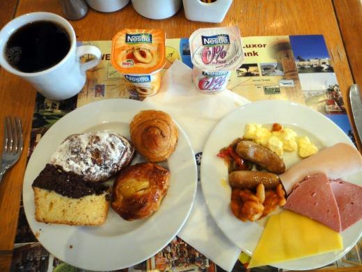 3日目 朝食(ビュッフェ)をソフィテル カルナックホテルのレストランで