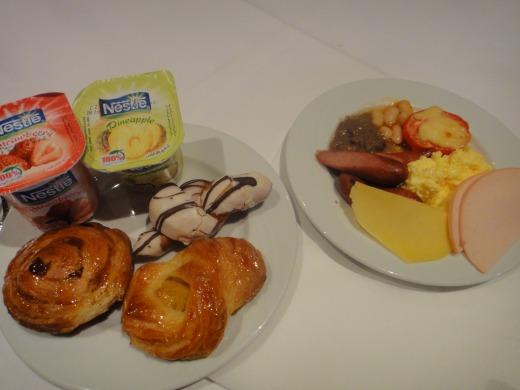 7日目 朝食 ビュッフェをアマランテ ピラミッズホテルのレストランで