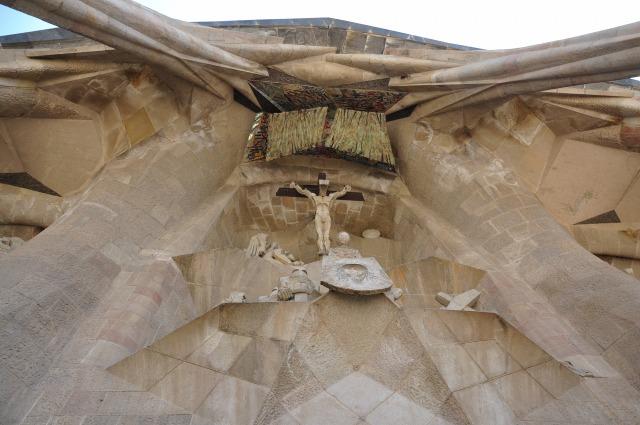 2日目 世界遺産 サグラダ・ファミリア「受難の門」