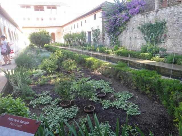 5日目 中世イスラムの世界遺産 ヘネラリフェの庭園へ