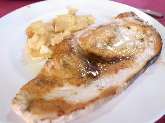 3日目 昼食 魚料理@クエンカ