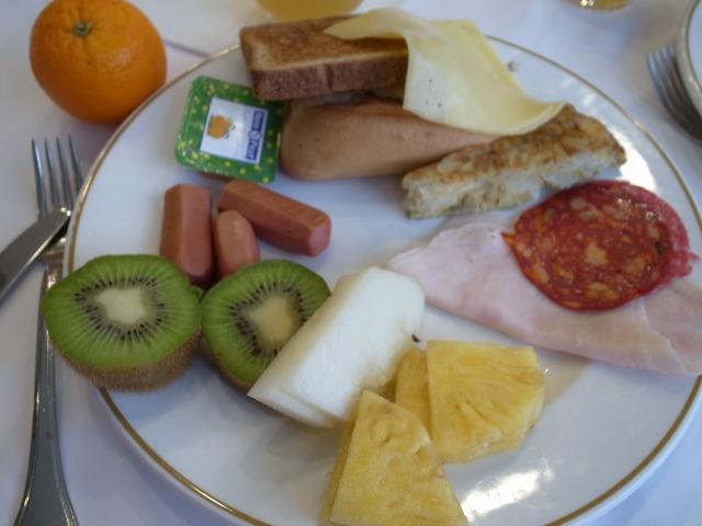 3日目 朝食 アルブフェラベストウエスタンホテルにて