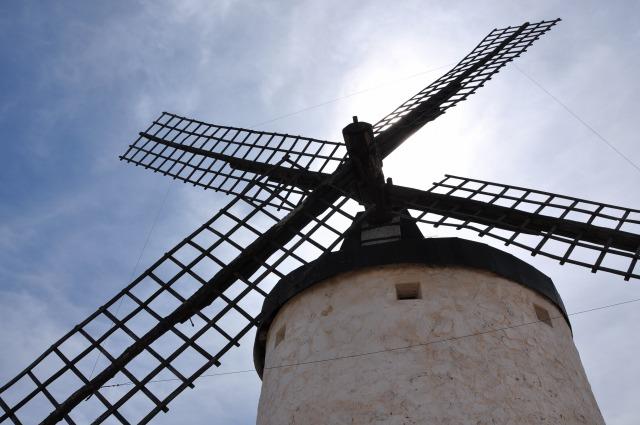 4日目 白い風車が印象的なマドリッドの南部のラ・マンチャ地方(コンスエグラ)散策