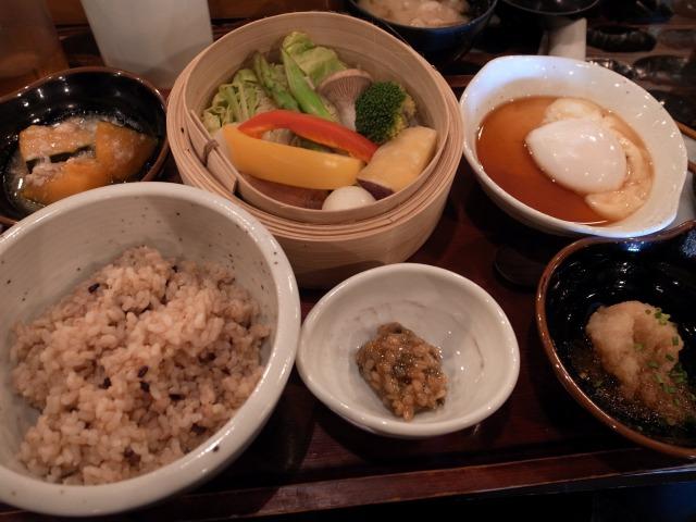 権八で「30品目の旬菜御前」を食べました@渋谷
