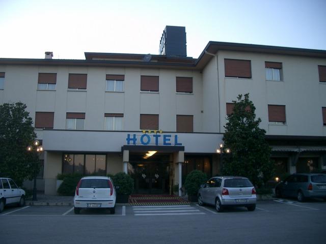 18日目 ホテル到着と同時に夕食してベネチアへ@イタリア
