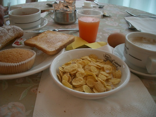 20日目 朝食 ホテル内のレストランで@HOTEL EUROPA