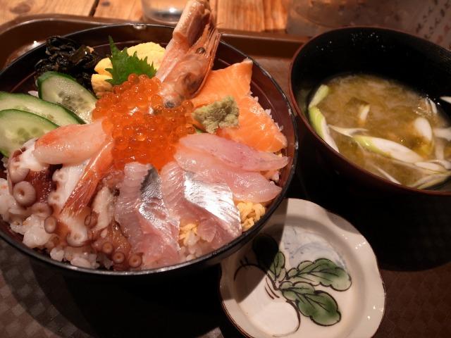 根室食堂で「限定10食 北海ちらし寿司」を食べました@渋谷 宮益坂