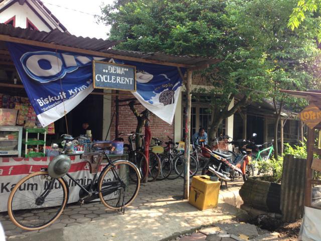 8日目 ムンドゥツ寺院とパオン寺院へ自転車(レンタサイクル)で巡る@ボロブドゥール