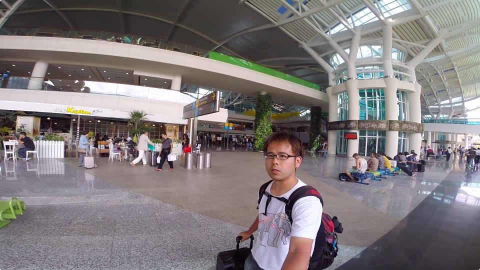 4日目 海外旅行で初めて2回訪れた場所、バリ島到着から換金、携帯SIM購入