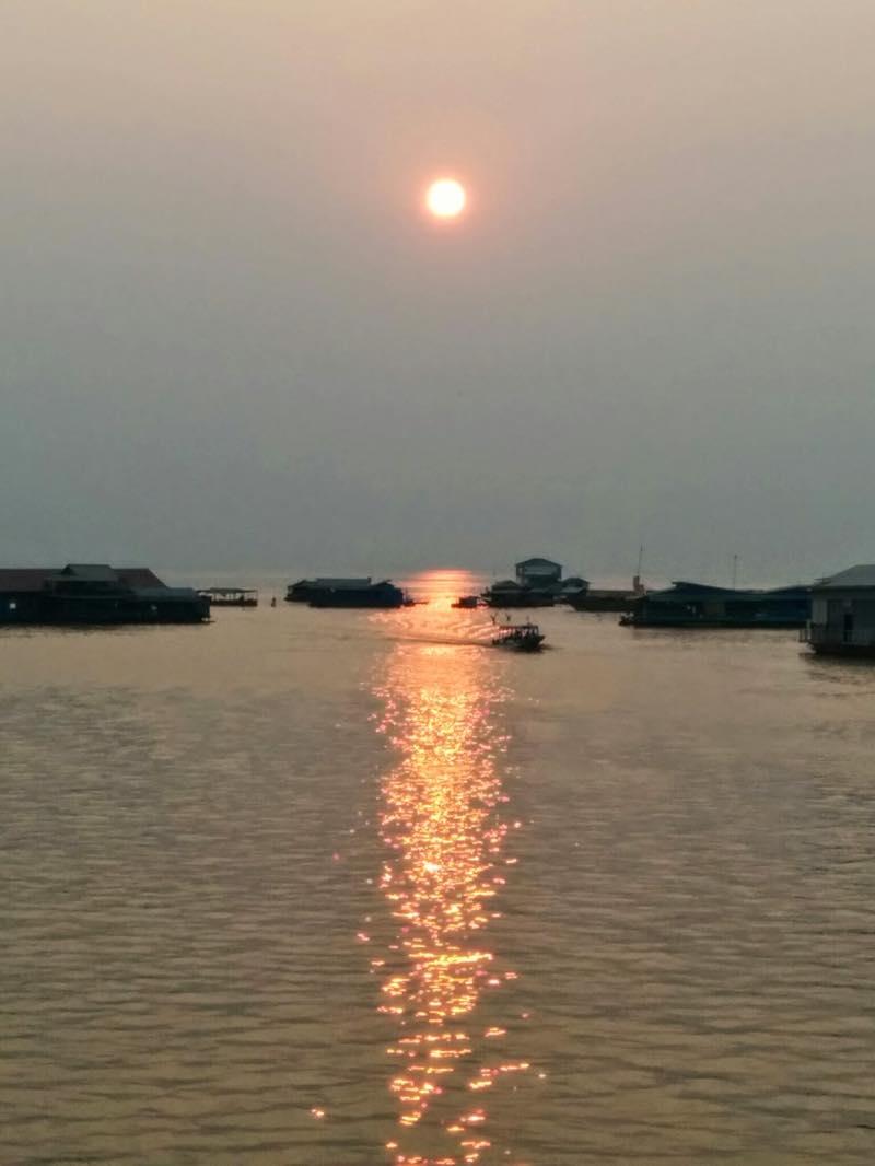 トゥクトゥクチャーターしてトンレサップ湖へ@カンボジア