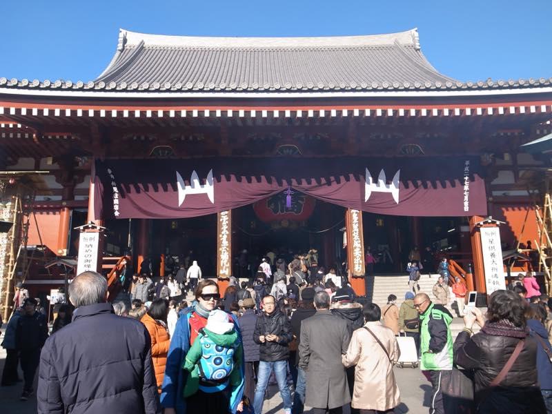 帰省のお土産を買いに浅草へ、浅草寺で御朱印も頂きました。