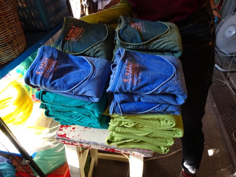 OUKY ビンテージウィッシュシャツを買いに、バンコクのウィークエンドマーケットへ