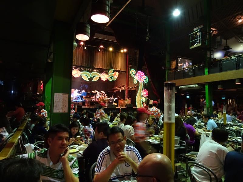 タイ、バンコクでドイツ料理の夕食@タワンデーン ジャーマン ブリュワリー
