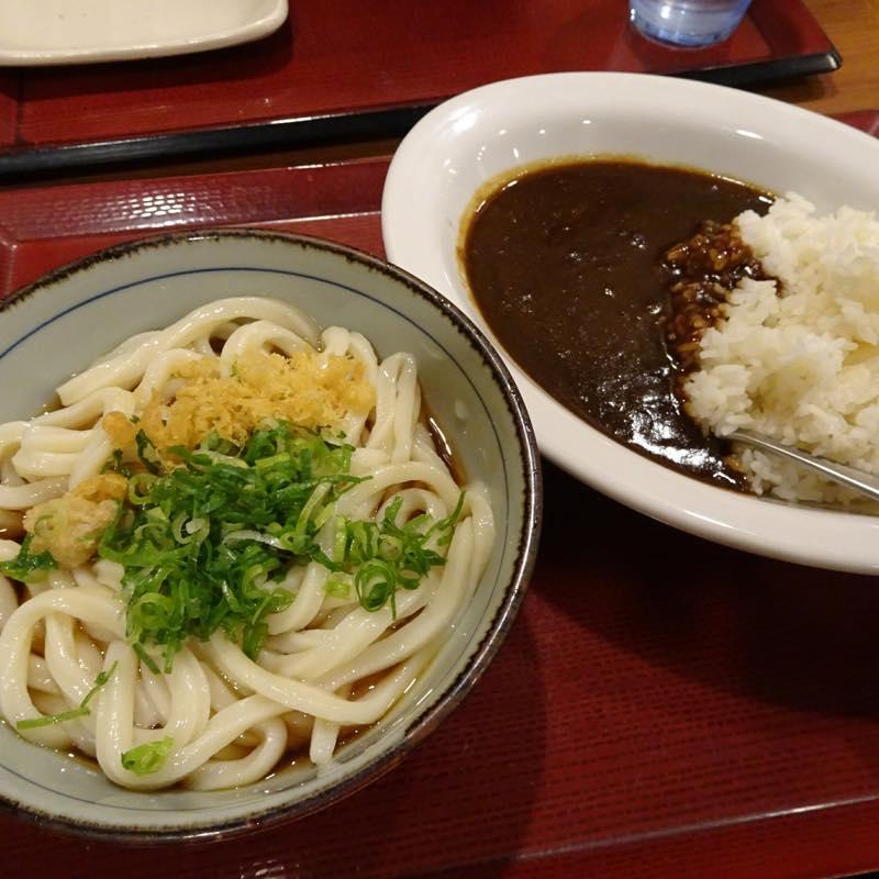 優待券で、ぶっかけうどんとカレー(Cセット)@楽釜製麺所