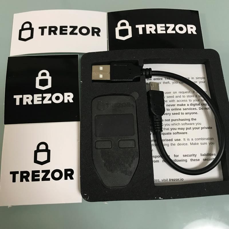 TREZOR ハードウェアウォレットを買って流行りに乗ってみることに。