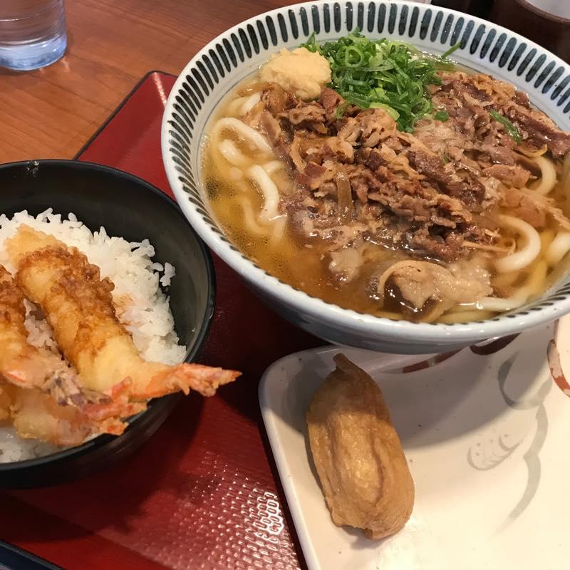 楽釜製麺所で牛肉うどん大盛りと海老天丼セットをシェアして食べる@三光マーケティングフーズ