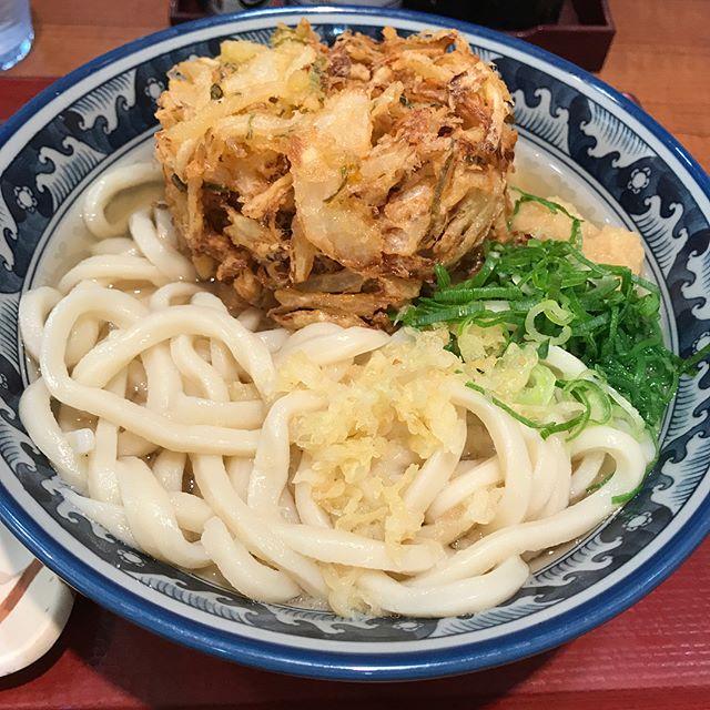 【優待ディナー】楽釜製麺所で、かけ大、野菜天ぷら、いなり寿司を食べ、天ぷらをお持ち帰り!!@三光マーケティング