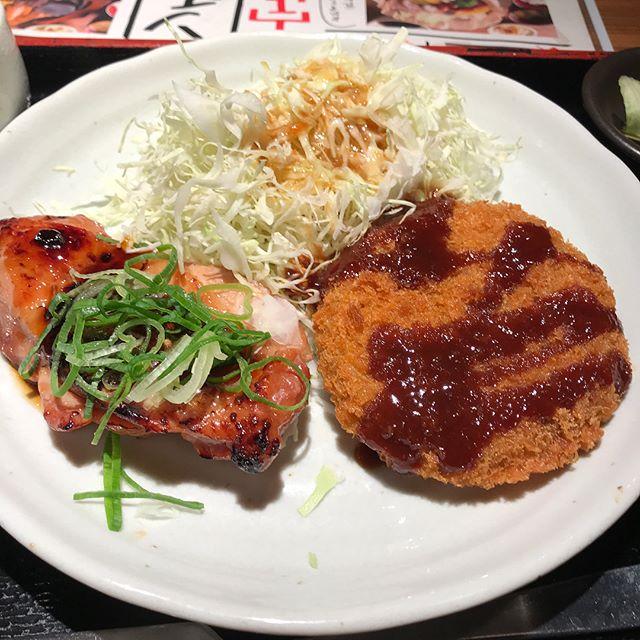 【優待ランチ】  NIJYUMARUの日替わりランチ「照り焼きチキンとメンチカツ」@コロワイド