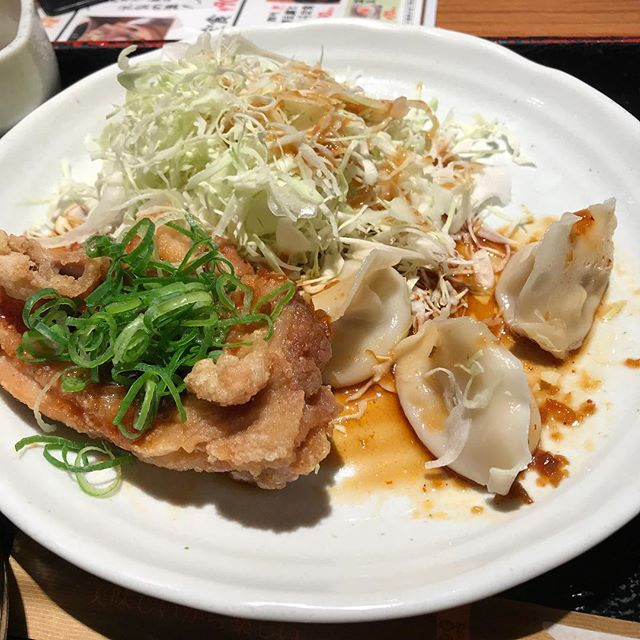 【優待ランチ】日替わりランチ定食「油淋鶏と水餃子」を頂く!!@二ジューマル