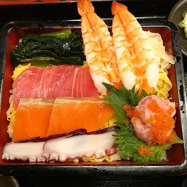 【優待ランチ】海鮮チラシ定食を頂く@NIJYUMARU