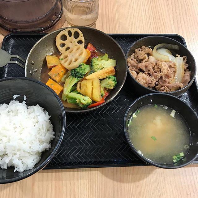【優待ランチ】ベジ牛皿定食を頂く@吉野家