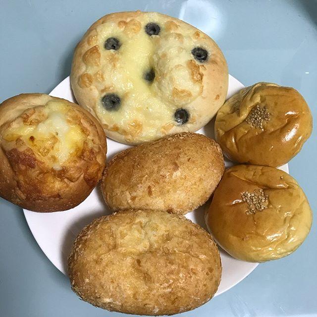 【ReduceGo】大田区にあるオヤジベーカリーさんより「バターチキンカレーパン 2個」「おまかせアソート 3個」を頂く❣️