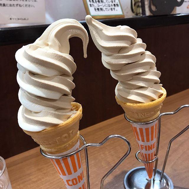 東急本店 地下にあるミカドコーヒーで休憩タイム<br>「ミックスのソフトクリーム」を頂く❣️