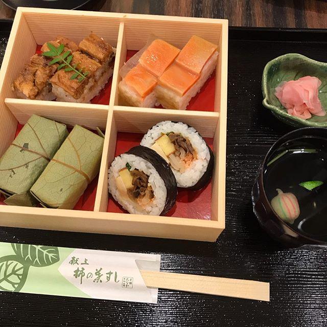 奈良観光のランチは名物の柿の葉寿司❣️